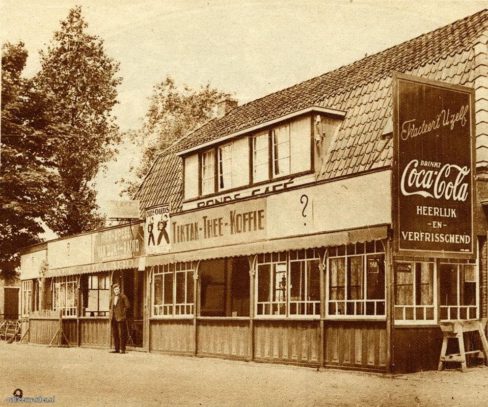 Het oude tolhuis in 1939 aan de Groningerstraatweg