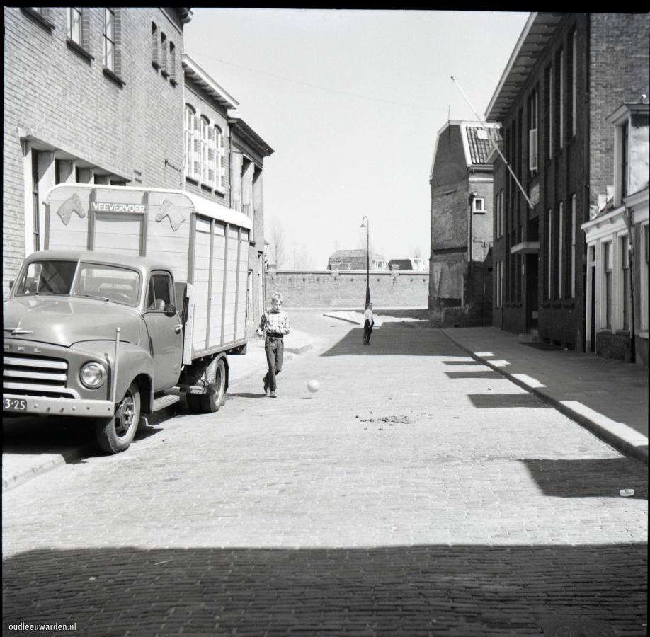 1962-05-00 (13)